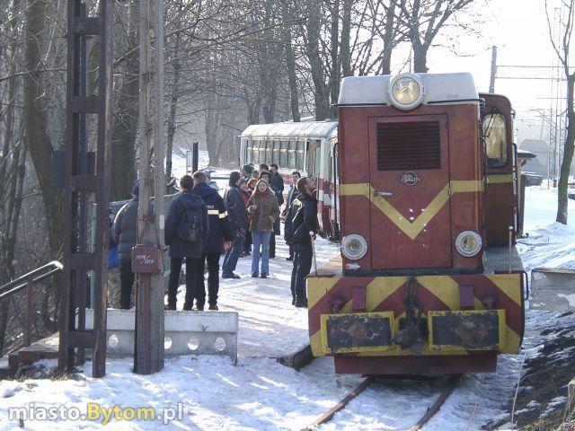 Stacja Bytom Wąskotorowa - pierwszy pociag turystyczny w 2003 r.